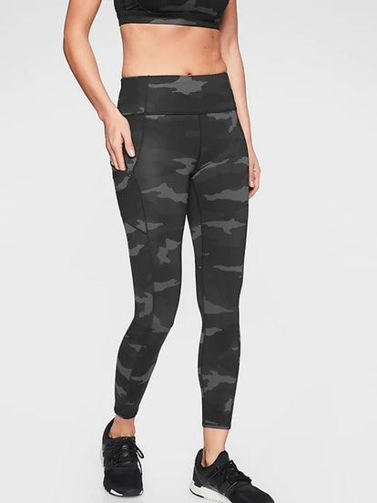https://cozyclothesblog.com/how-to-give-and-ask-for-something-everyone-will-love!-a-gift-guide/? | Athleta Leggings